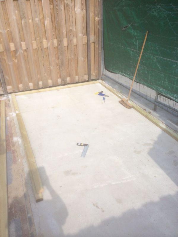 Betonboden, auf dem der Schuppen aufgestellt wird