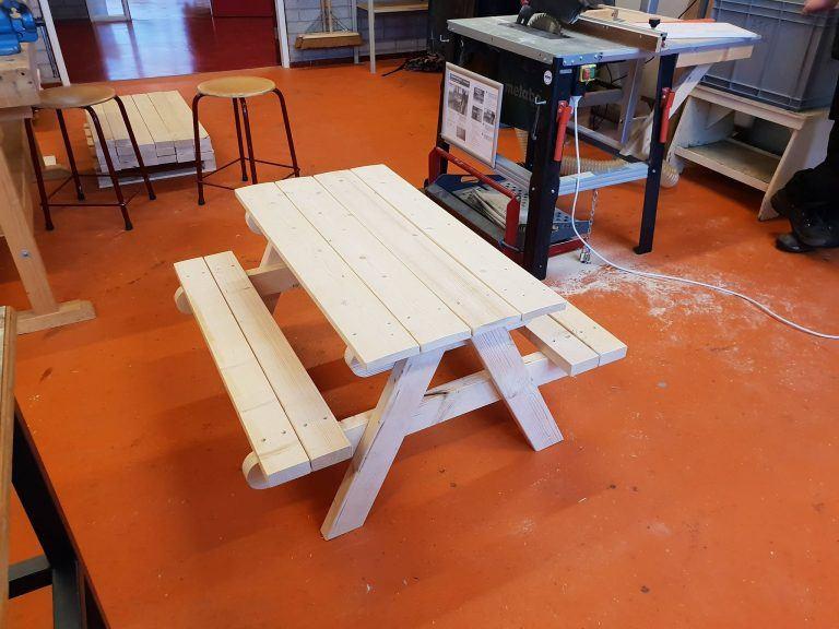 Holz Picknicktisch selber bauen